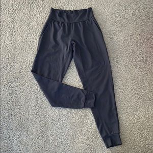 NWOT!! Under Armour Jogger! 🖤🤍